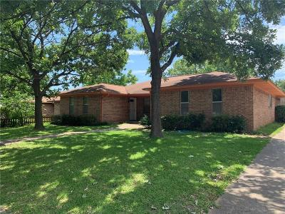 Irving Multi Family Home For Sale: 1512 Blackwell Drive