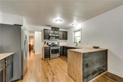 Garland Single Family Home For Sale: 2110 Frances Drive