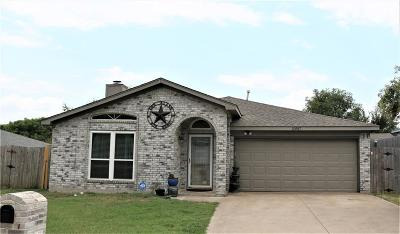 Fort Worth Single Family Home For Sale: 10917 Hornby Street