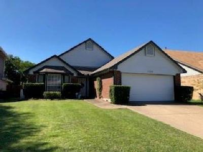 Fort Worth Single Family Home For Sale: 1729 Wild Willow Trail