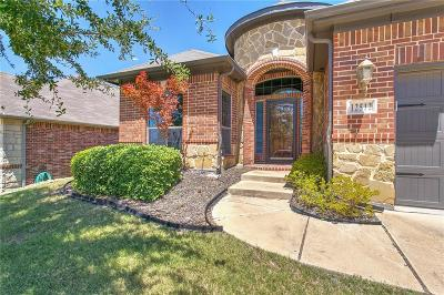 Fort Worth Single Family Home For Sale: 12512 Morab Street
