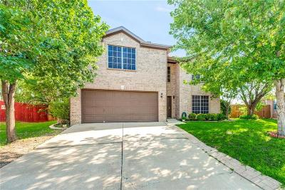 Fort Worth Single Family Home For Sale: 8801 Stirrup Way