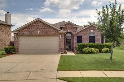 Fort Worth Single Family Home For Sale: 8621 Prairie Wind Trail