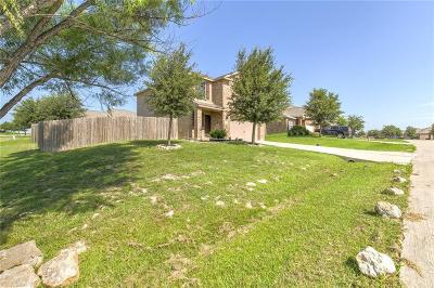 Single Family Home For Sale: 212 Dodge City Trail
