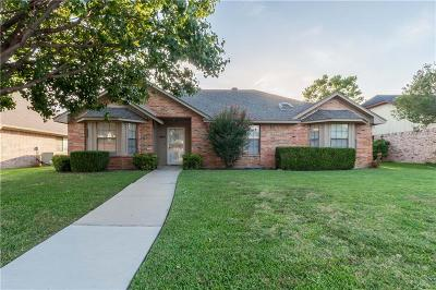 Lewisville Single Family Home For Sale: 494 Yorkshire Terrace
