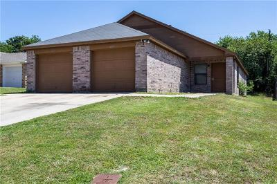 Fort Worth Multi Family Home For Sale: 8025 Julie Avenue