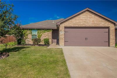 Fort Worth Single Family Home For Sale: 8432 Weeping Cherry Lane