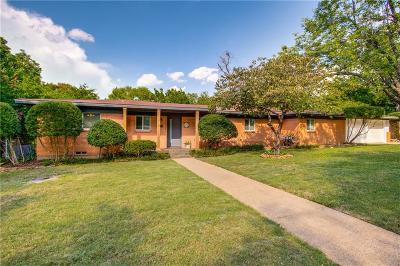 Grand Prairie Single Family Home For Sale: 926 8th Street