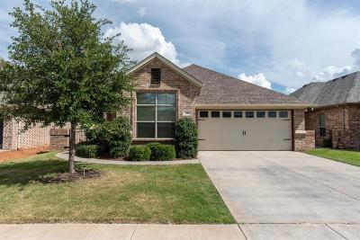 Granbury Single Family Home For Sale: 206 Captains Court