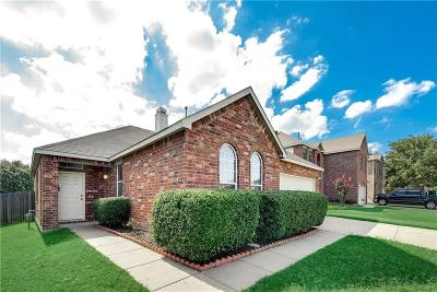 Tarrant County Single Family Home For Sale: 5317 Sonoma Drive