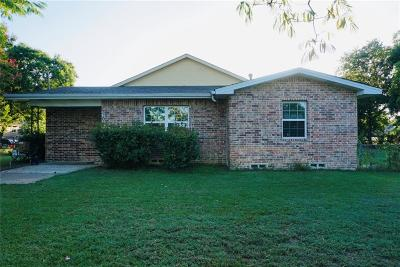 Grand Prairie TX Single Family Home For Sale: $239,900