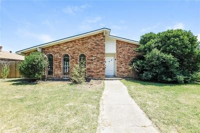 Grand Prairie TX Single Family Home For Sale: $200,000
