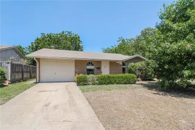 Lewisville Single Family Home For Sale: 1219 Briarwood Drive