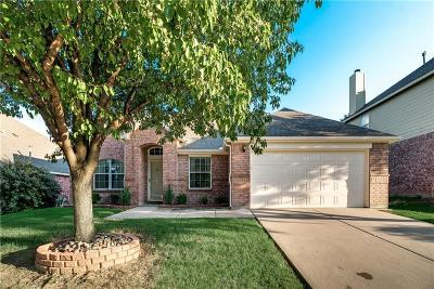 Fort Worth Single Family Home For Sale: 5104 Bay View Drive