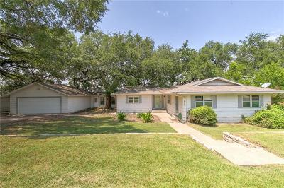 Granbury Single Family Home For Sale: 620 Mustang Trail
