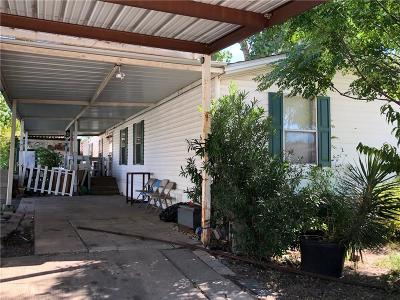 Tarrant County Single Family Home For Sale: 4019 Featherstone Drive