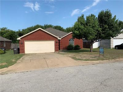 Fort Worth Single Family Home For Sale: 4613 Saint Thomas Place