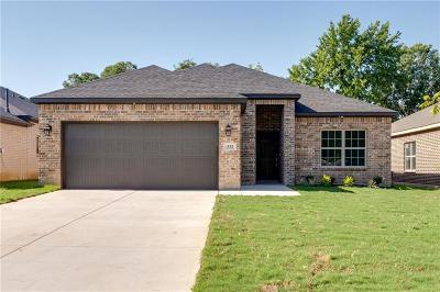 Hurst Single Family Home For Sale: 332 Pecan Street