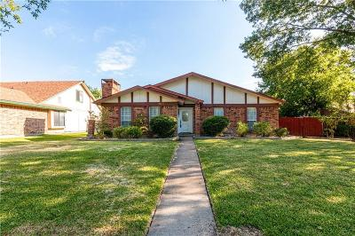 Carrollton Single Family Home For Sale: 1013 E Peters Colony Road