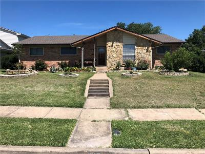 Mesquite Single Family Home For Sale: 2405 Larchmont Drive