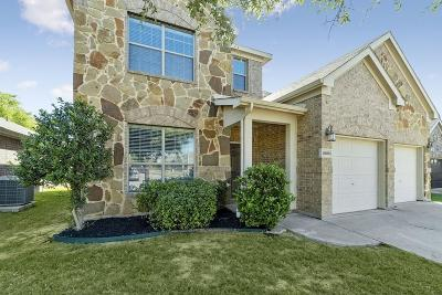 Fort Worth Single Family Home For Sale: 15600 Landing Creek Lane