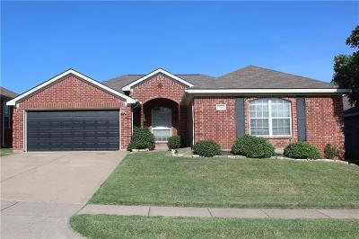 Kennedale Single Family Home Active Option Contract: 613 Fawn Meadow Trail