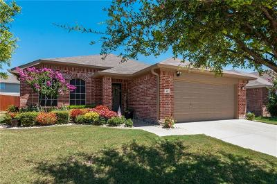 Fort Worth Single Family Home For Sale: 412 Emerald Creek Drive