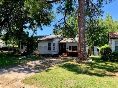 Fort Worth Single Family Home For Sale: 2101 Brittain Street