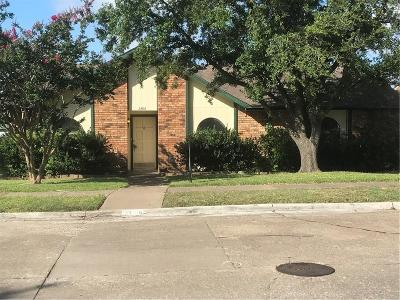 Garland Single Family Home For Sale: 3706 Red Oak Drive