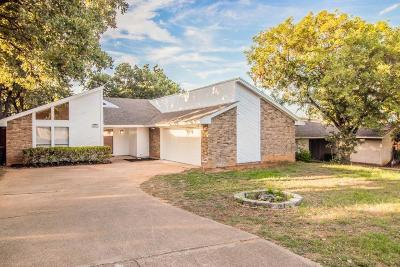 Fort Worth Single Family Home For Sale: 7659 Blue Carriage Court