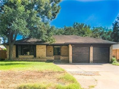 Dallas Single Family Home For Sale: 7406 Vallejo Drive