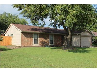 Garland Residential Lease For Lease: 1910 Whiteoak Drive