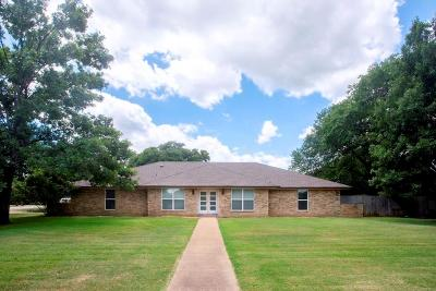 Double Oak Single Family Home For Sale: 180 Trailing Oaks Drive