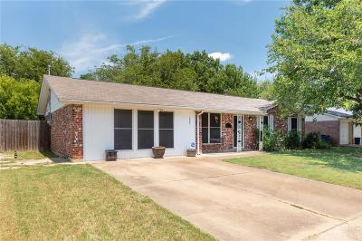 Everman Single Family Home For Sale: 608 Christie Court