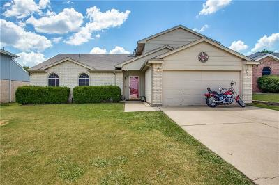 Burleson Single Family Home For Sale: 725 Crestmont Drive
