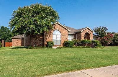 Dallas County, Denton County, Collin County, Cooke County, Grayson County, Jack County, Johnson County, Palo Pinto County, Parker County, Tarrant County, Wise County Single Family Home For Sale: 1015 Lakefield Drive