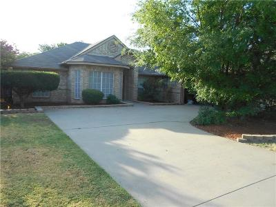Kennedale Single Family Home For Sale: 422 Steeplechase Trail
