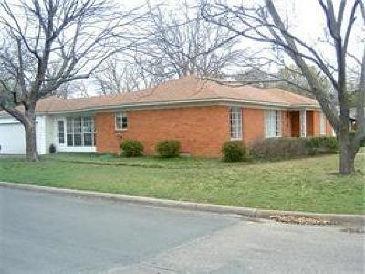Single Family Home For Sale: 552 Peavy Road