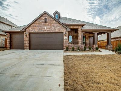 Dallas County, Denton County, Collin County, Cooke County, Grayson County, Jack County, Johnson County, Palo Pinto County, Parker County, Tarrant County, Wise County Single Family Home For Sale: 1104 Bear Oak Drive