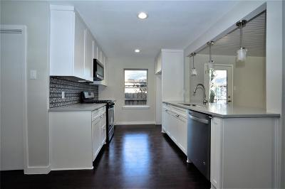 Dallas Single Family Home For Sale: 2435 Hillsboro Avenue
