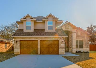 Irving Single Family Home For Sale: 618 Beacon Hill Drive