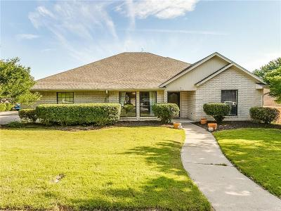 Benbrook Single Family Home For Sale: 10028 Wandering Way Street