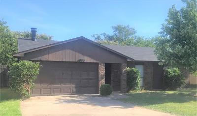 North Richland Hills Single Family Home For Sale: 6805 Glenwood Drive