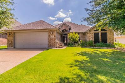 Benbrook Single Family Home For Sale: 7525 Bunker Court