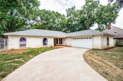 Bedford Single Family Home For Sale: 2636 Rollingshire Drive