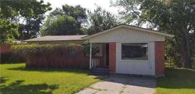 Mesquite Single Family Home For Sale: 1506 Hillcrest Street