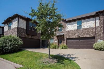 Grand Prairie Townhouse Active Option Contract: 5027 Italia Lane
