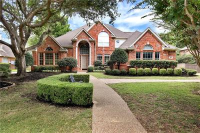 Southlake Single Family Home For Sale: 220 Highland Oaks Circle