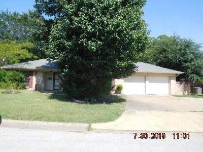 North Richland Hills Single Family Home For Sale: 4921 Harrell Street
