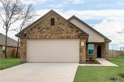 Ennis Single Family Home For Sale: 1706 Blue Jay Drive